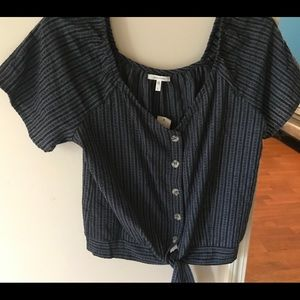Maurice's Women's Crop Shirt Size Large